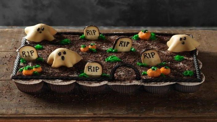 Halloween Cake Recipe  30 Halloween Cake Recipes Recipes