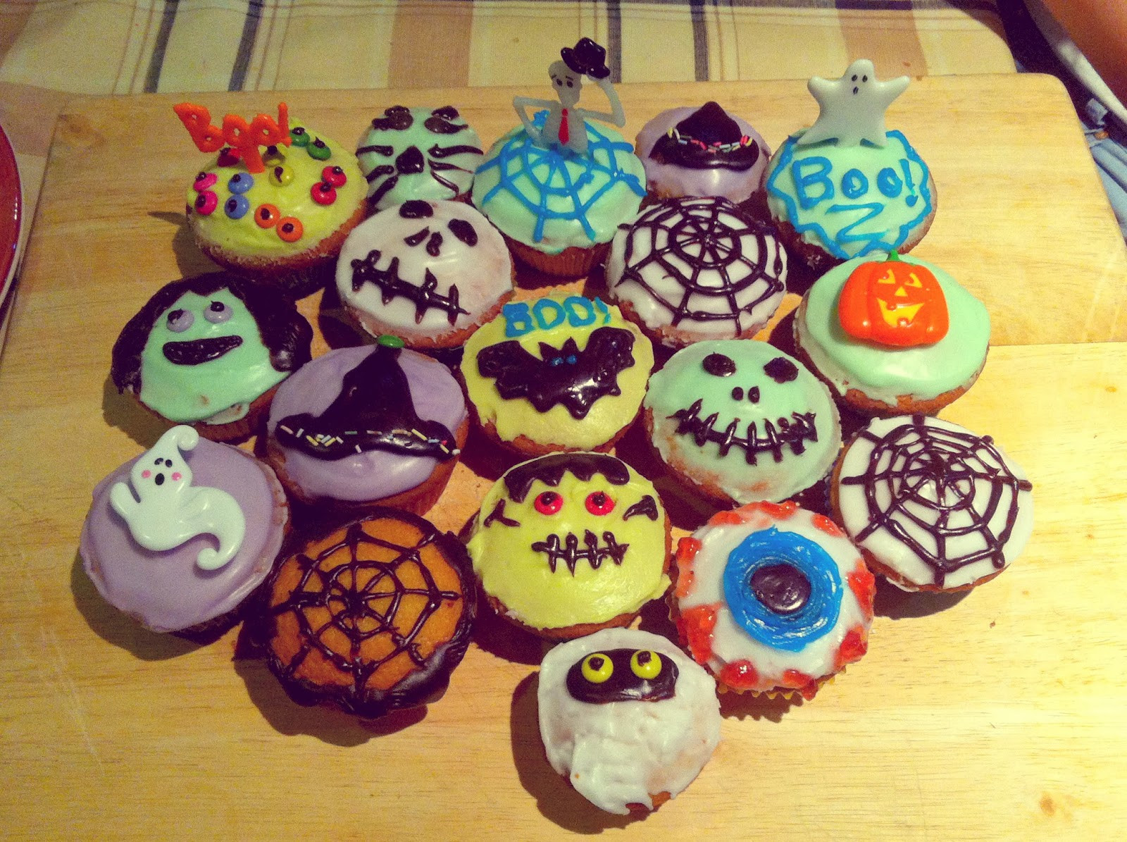 Halloween Cakes Decorations Ideas  Blon s Style Fix October 2013