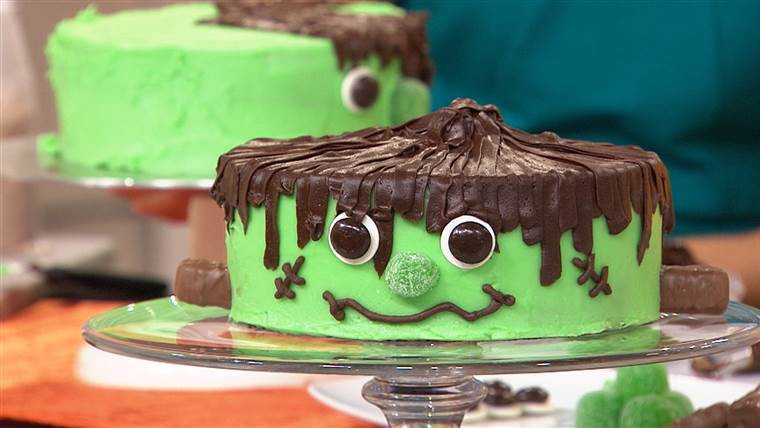 Halloween Cakes Games  Halloween party ideas food drinks and games