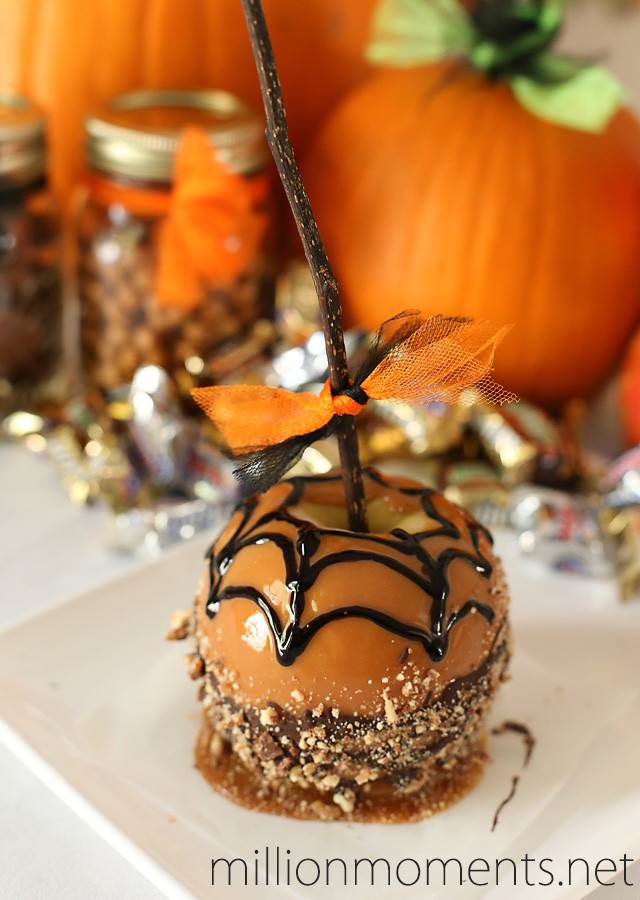 Halloween Caramel Apples  Creepy Candy Apples And An Easy Halloween Drink Recipe