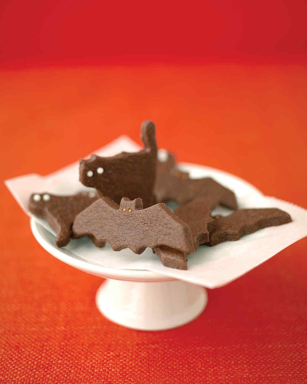 Halloween Cat Cookies  Ghostly Bat and Cat Cookies Recipe