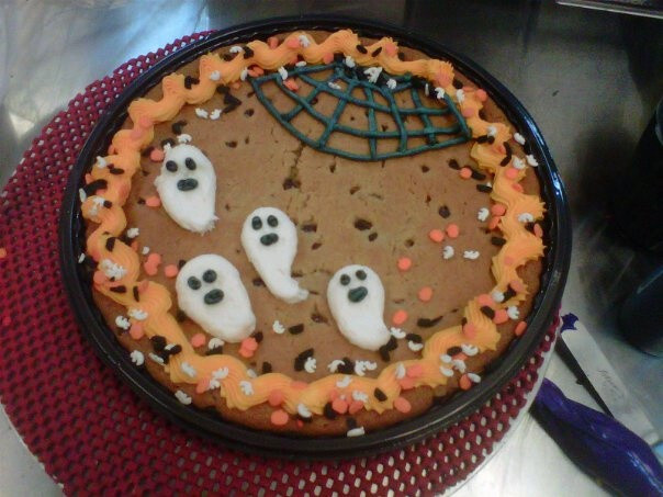Halloween Cookie Cakes  Halloween Cookie cake Party Ideas