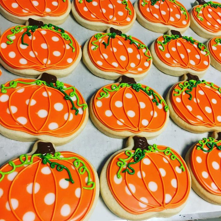 Halloween Cookies Decorating  Best 10 Royal Icing Cookies ideas on Pinterest