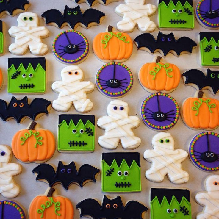 Halloween Cookies Decorations  Best 25 Halloween cookies decorated ideas on Pinterest