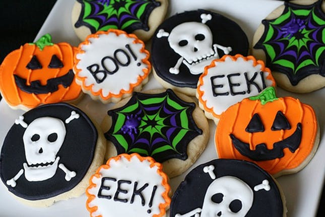 Halloween Cookies Decorations  48 Fun and Festive Halloween Baked Goo s