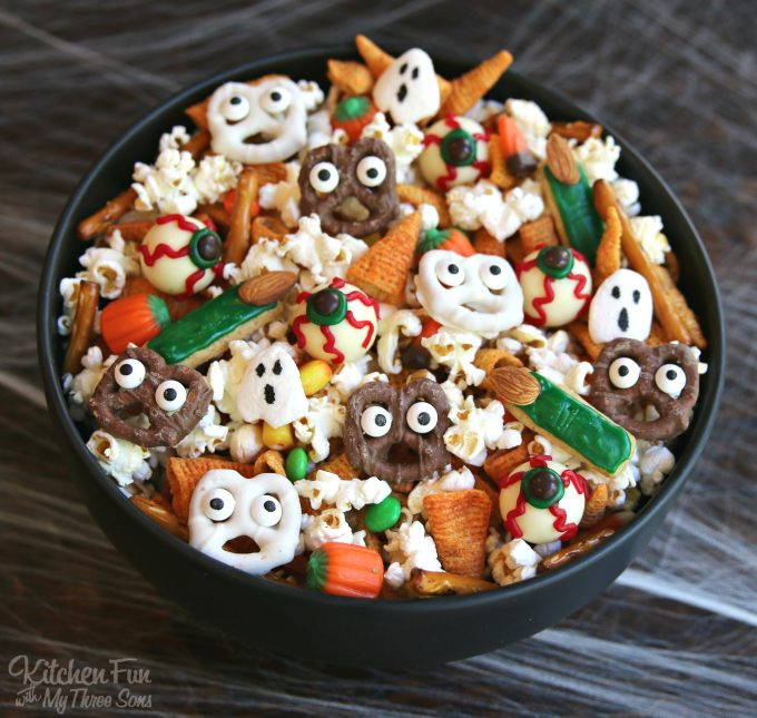 Halloween Cookies For Kids  50 of the BEST Halloween Food Ideas Kitchen Fun With My