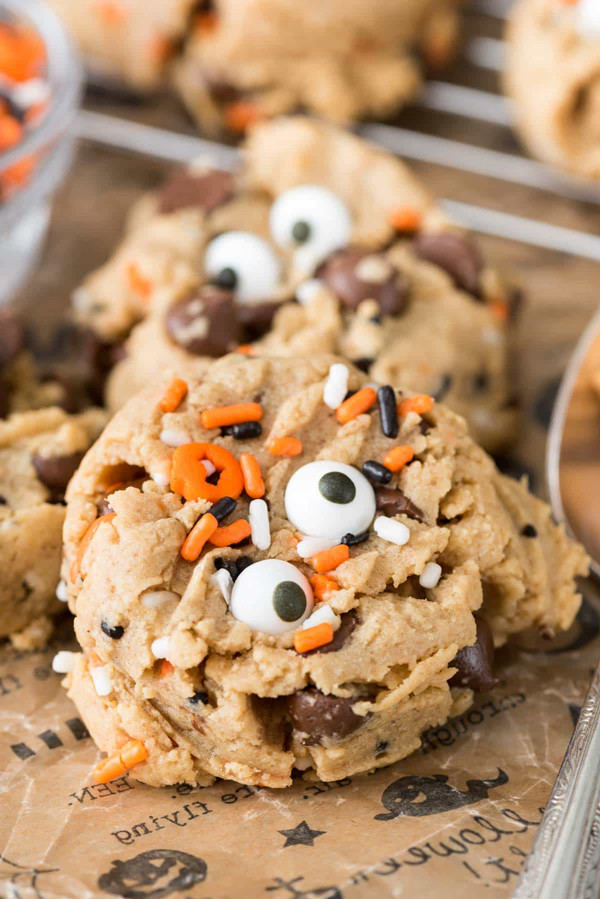 Halloween Cookies Recipes Easy  the Mega List of Easy Halloween Cookies It s Always Autumn