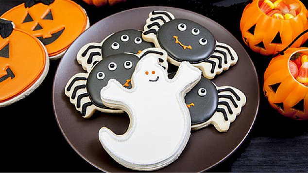 Halloween Cookies Recipes Easy  11 Easy Halloween Cookie Recipes the Kids will Adore