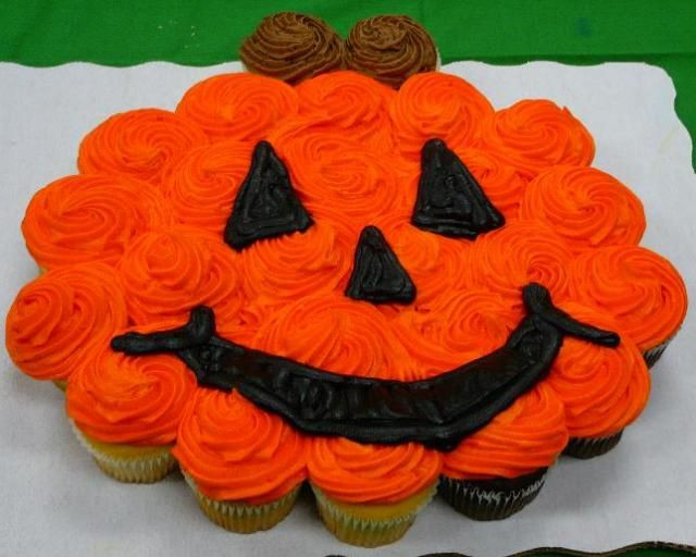 Halloween Cupcake Cakes  25 best ideas about Halloween cupcakes decoration on