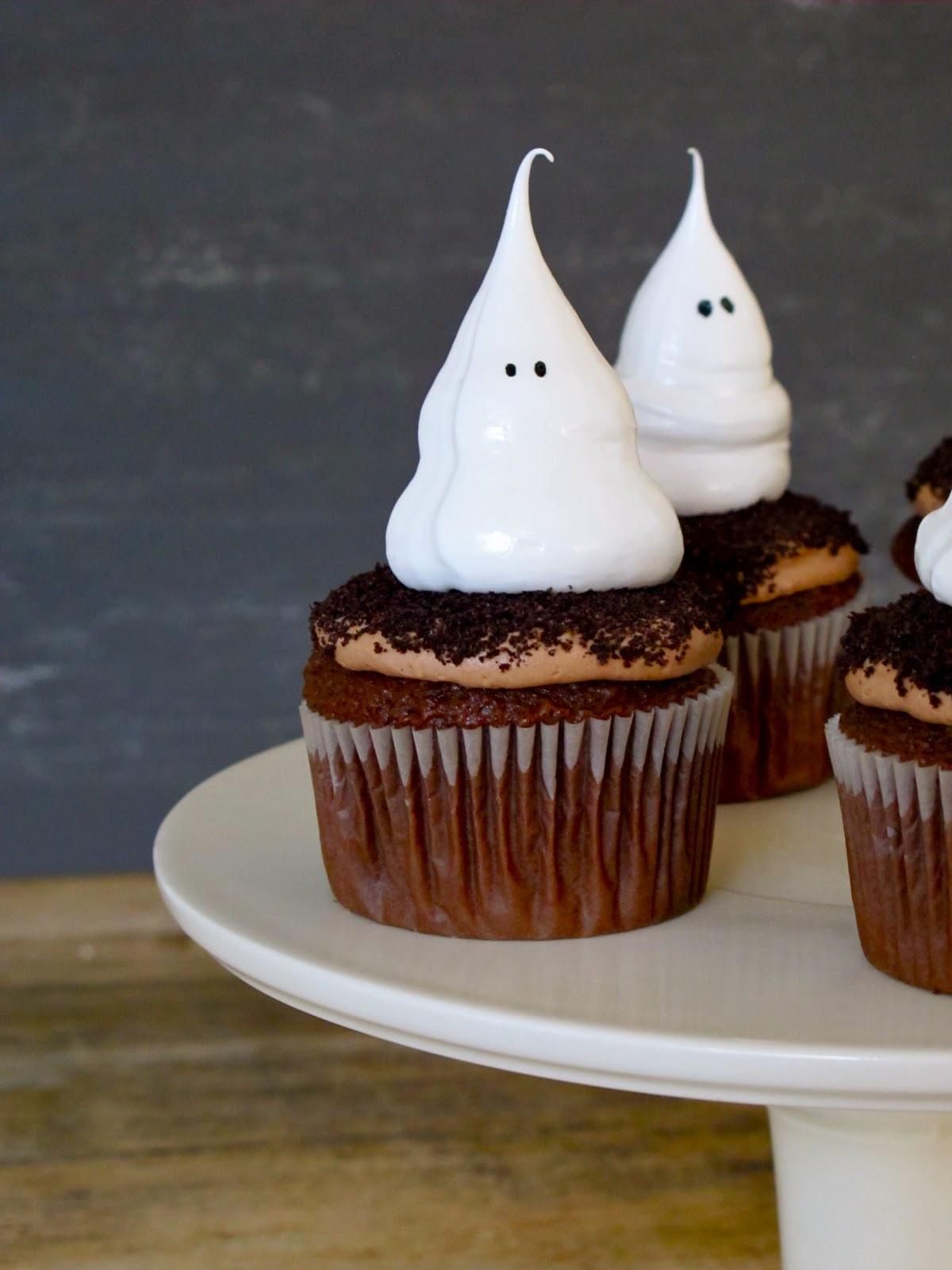 Halloween Cupcake Cakes  Jenny Steffens Hobick Halloween Cupcakes