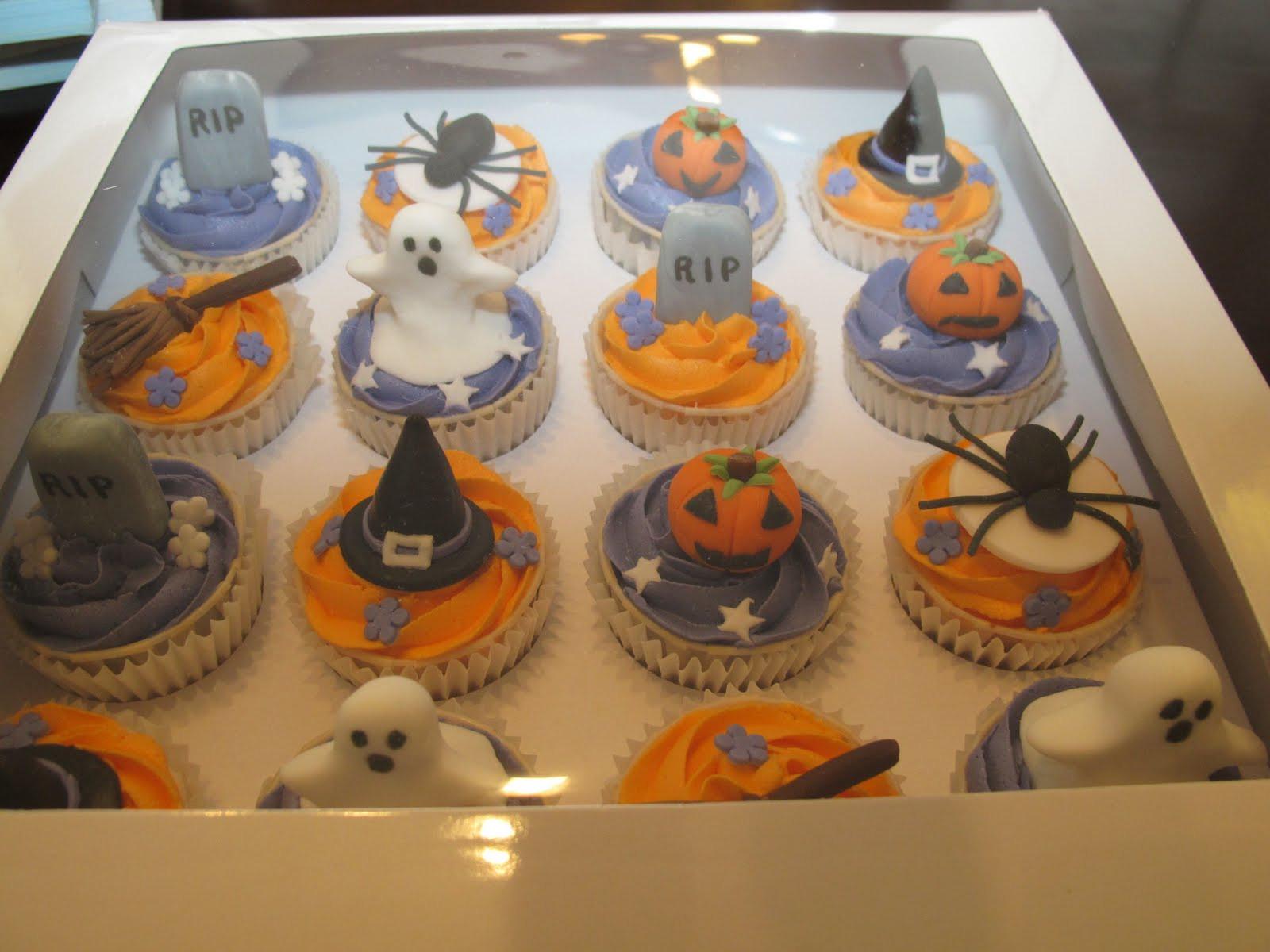 Halloween Cupcake Cakes  Pink Oven Cakes and Cookies Halloween cupcake ideas