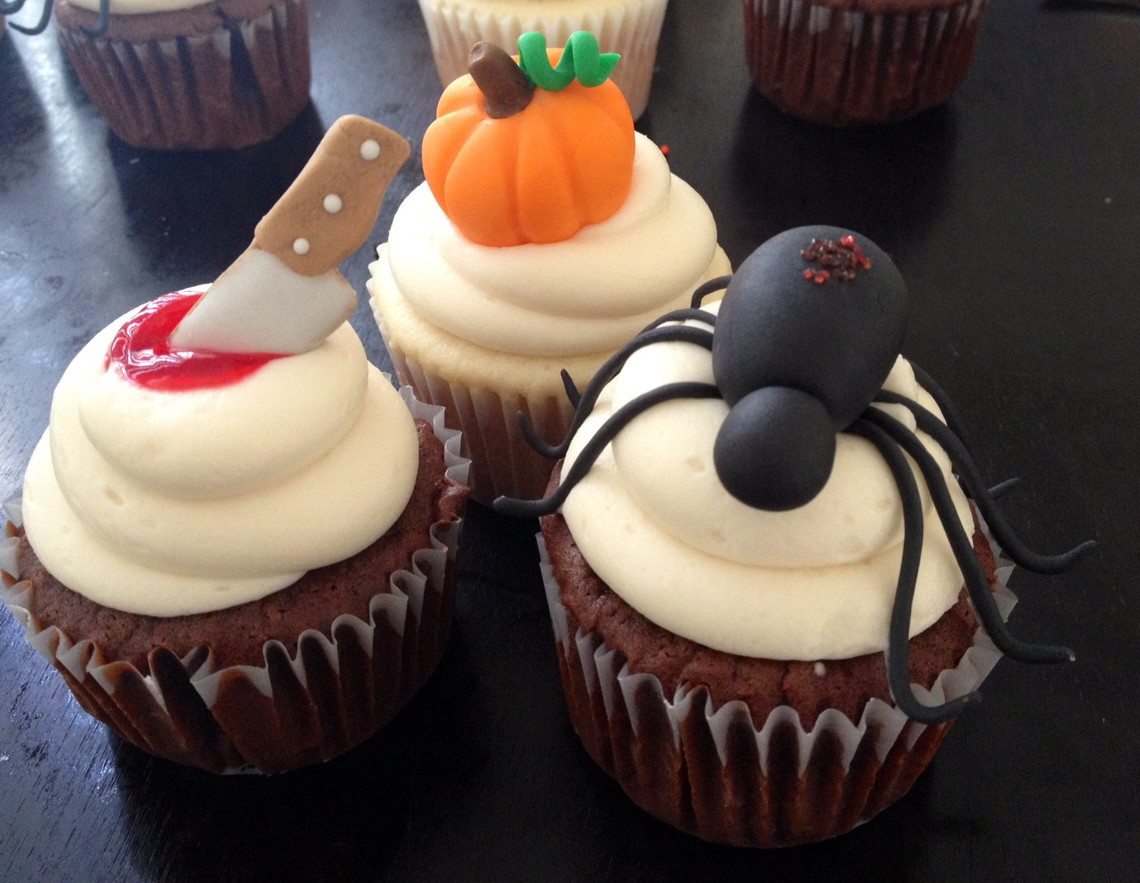 Halloween Cupcakes Decorations  BS Recipes Halloween Cupcakes