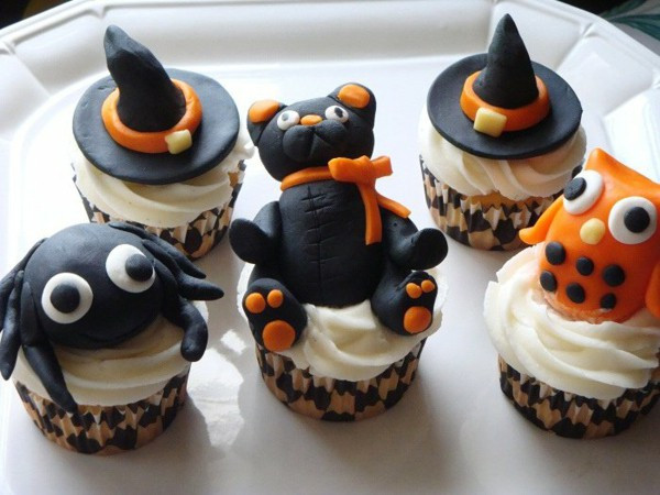 Halloween Cupcakes Decorations  Halloween Party Recipes – Spooky Cupcakes Baking – Fresh