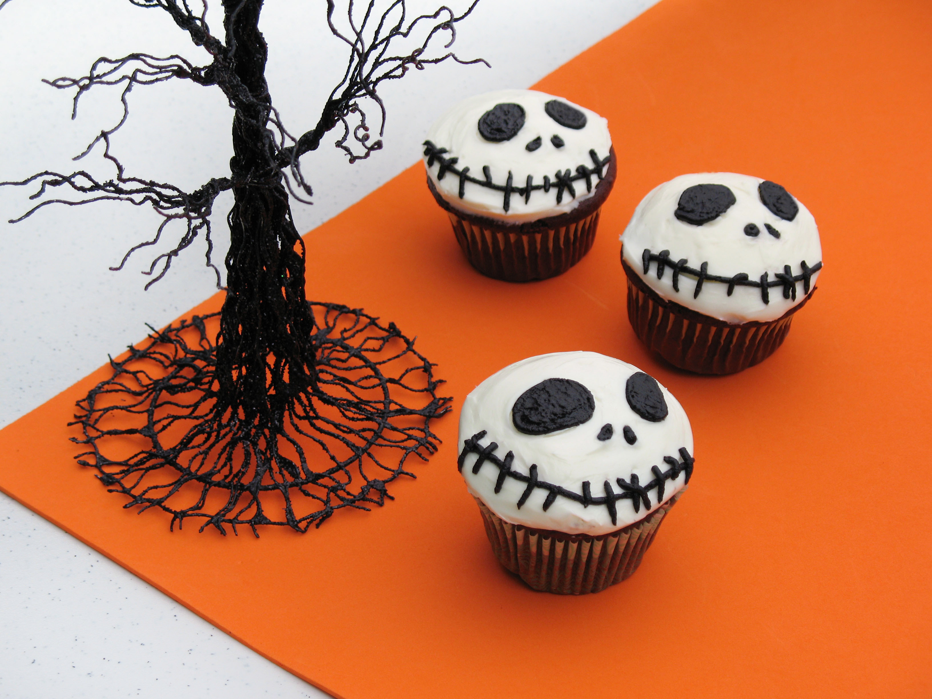 Halloween Cupcakes Images  Disney Interactive HALLOWEEN Party pictures Plus How