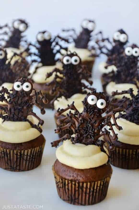 Halloween Cupcakes Images  Easy Halloween Cupcakes with Chocolate Spiders