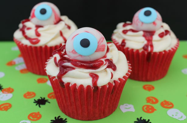 Halloween Cupcakes Pictures  15 Halloween cupcake recipes Halloween eyeball cupcakes