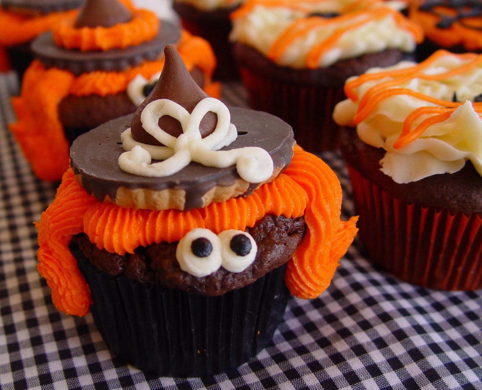 Halloween Cupcakes Pictures  Spook tacular Halloween Cupcakes