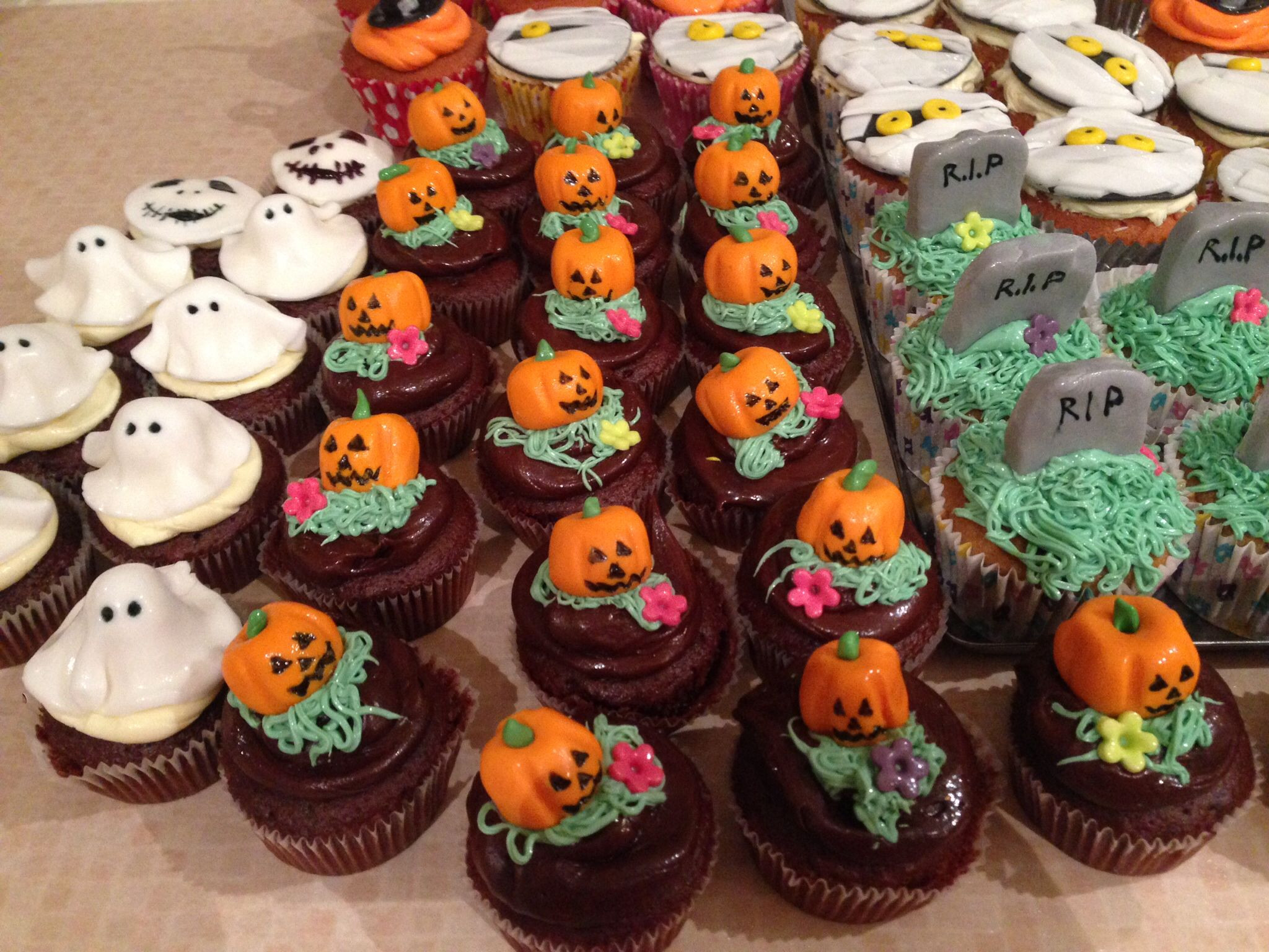 Halloween Cupcakes Pinterest  Pin it Like Image