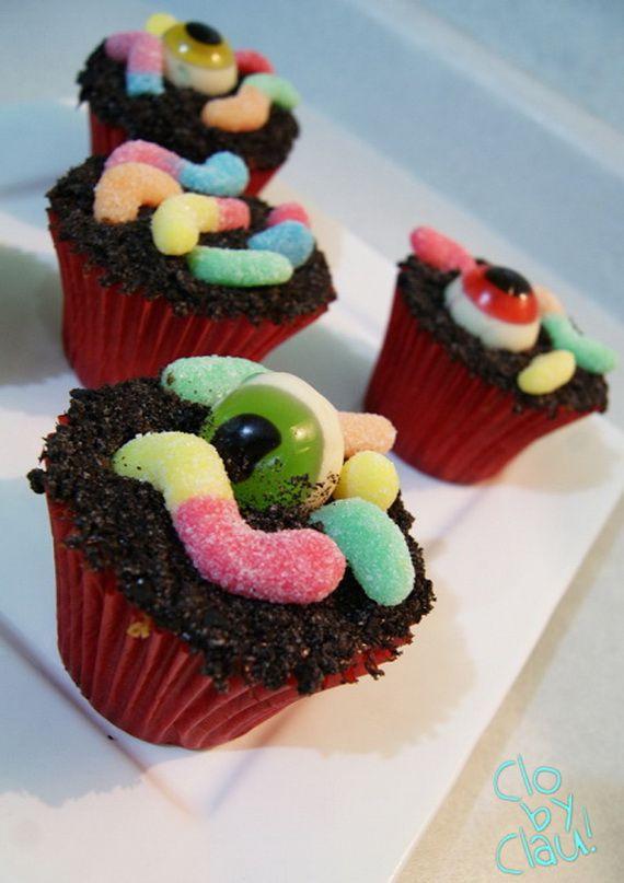 Halloween Cupcakes Pinterest  Spooky Halloween cupcake Ideas holidays