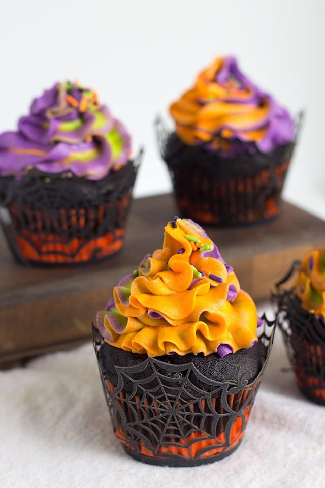 Halloween Cupcakes Recipes  Halloween Swirled Cupcakes