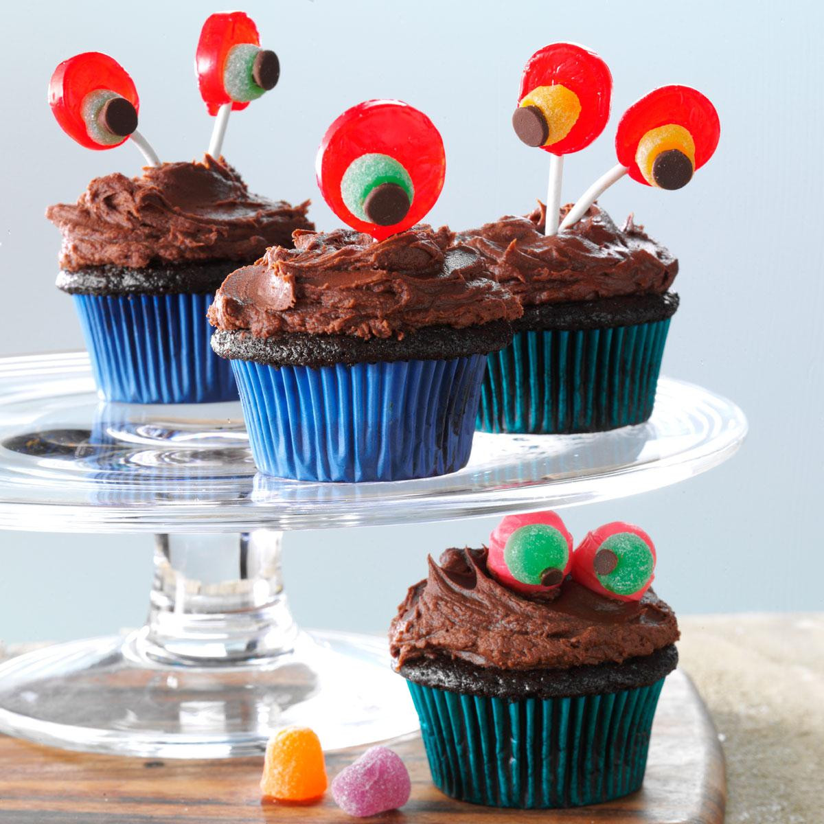 Halloween Cupcakes Recipes  Devil s Food Cupcakes with Chocolaty Frosting Recipe