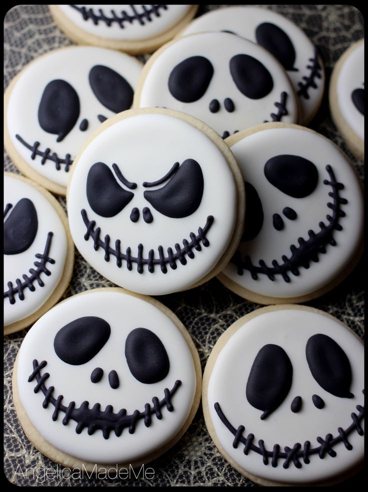 Halloween Cutout Cookies  Best 25 Halloween cookies decorated ideas on Pinterest