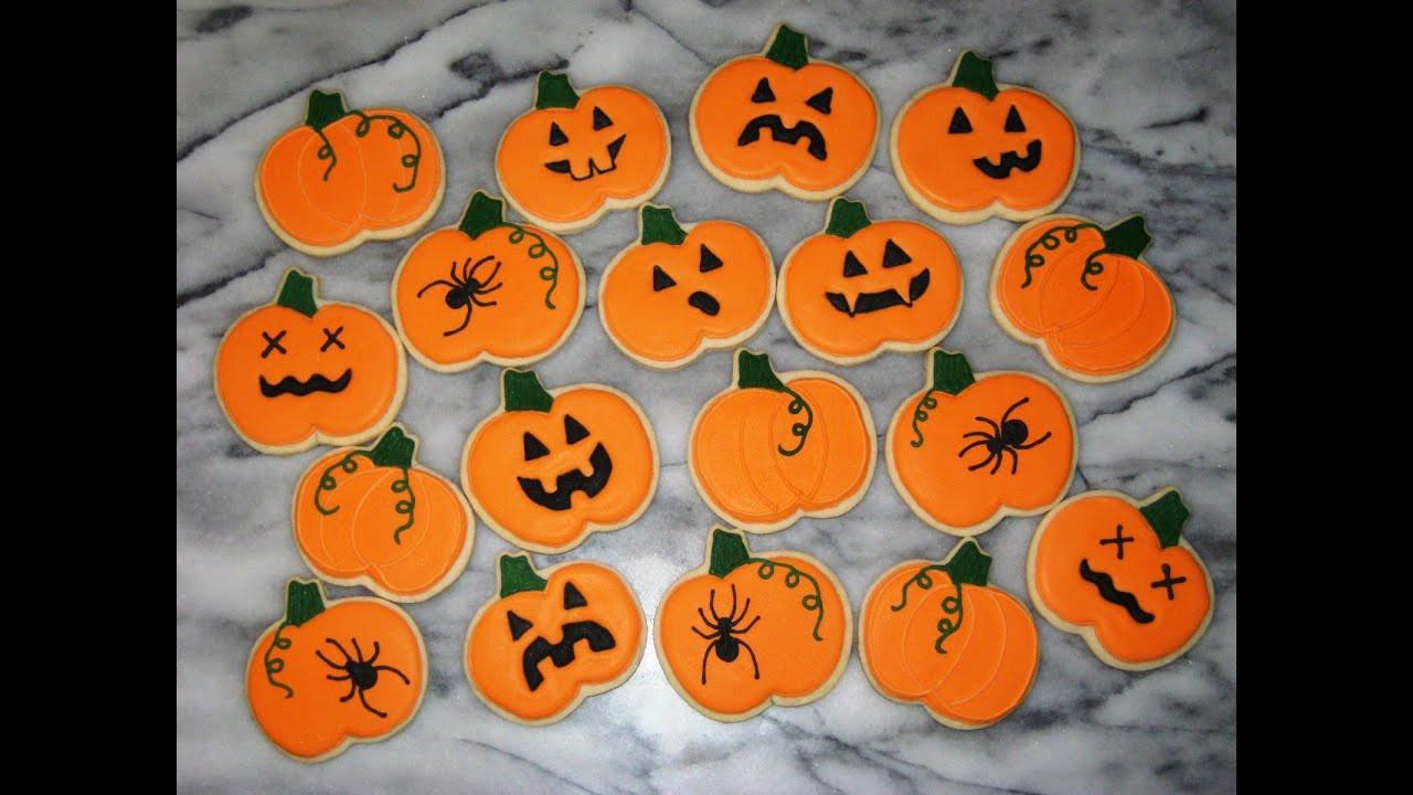 Halloween Cutout Cookies  decorating halloween cookies