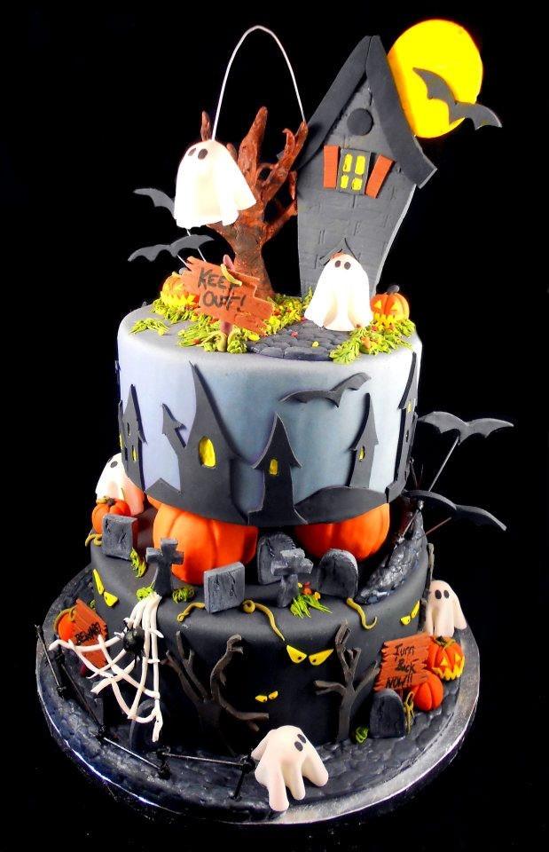 Halloween Decorated Cakes  Best 25 Halloween cake decorations ideas on Pinterest