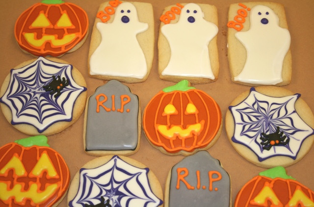 Halloween Decorated Sugar Cookies  Country Cupboard Cookies Blog Halloween Gingerbread
