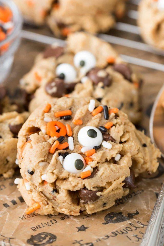 Halloween Dessert For Kids  11 Tasty And Fun DIY Halloween Desserts For Kids Shelterness