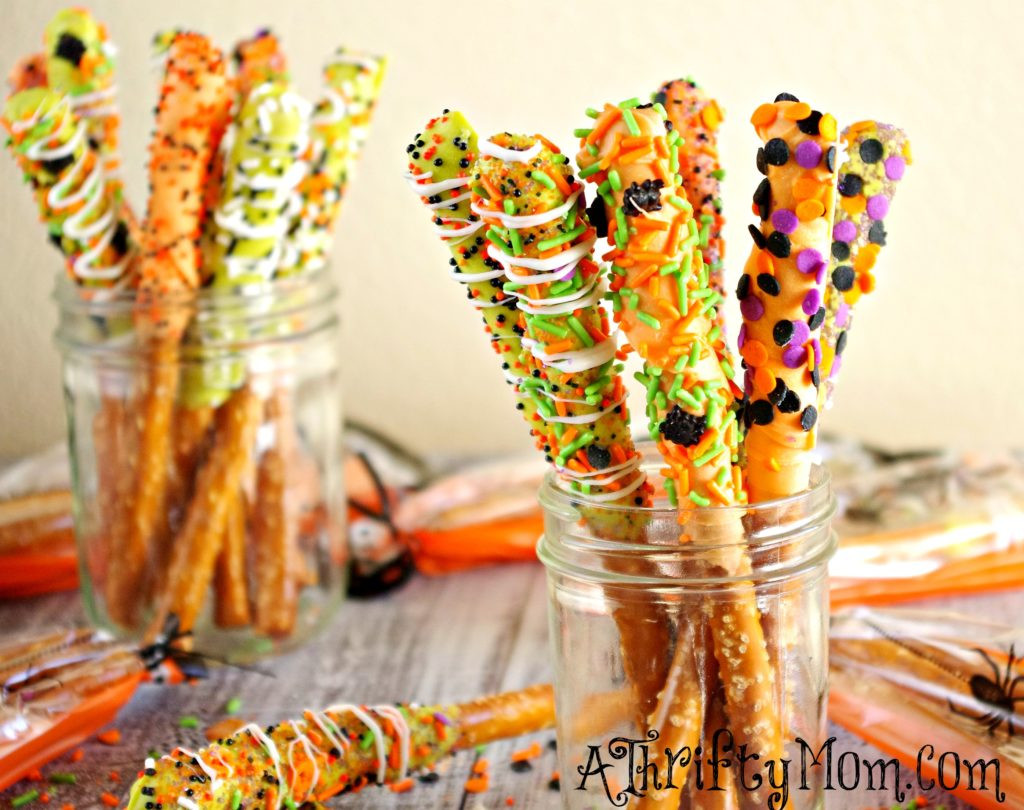 Halloween Desserts Ideas  Gourmet Halloween Pretzel Rods
