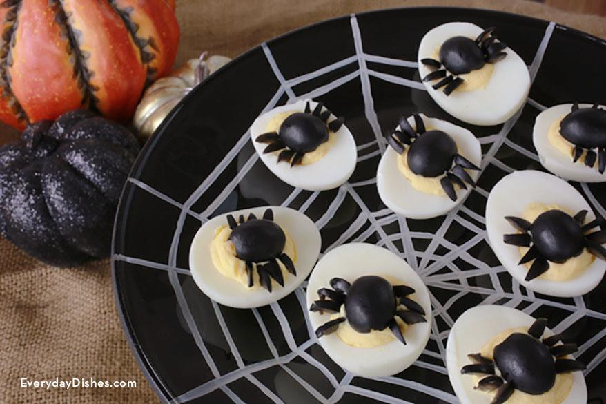 Halloween Deviled Eggs Recipes  spider halloween deviled eggs recipe — Everyday Dishes & DIY