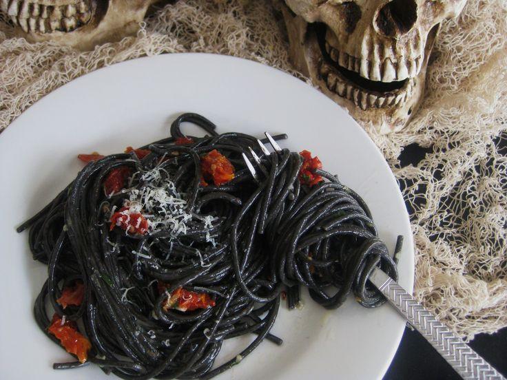 Halloween Dinner Ideas For Adults  Best 25 Halloween dinner parties ideas on Pinterest