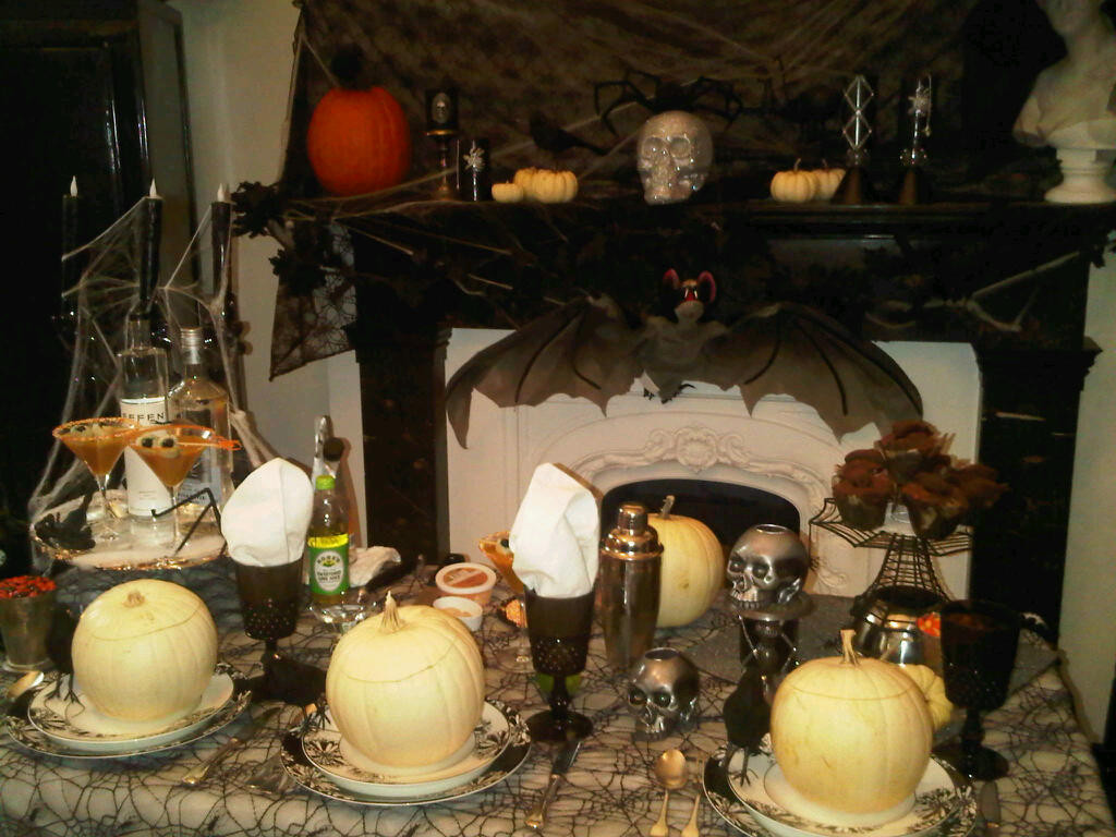 Halloween Dinner Party  Celebrate Everyday Haunted Halloween Dinner Party Decor