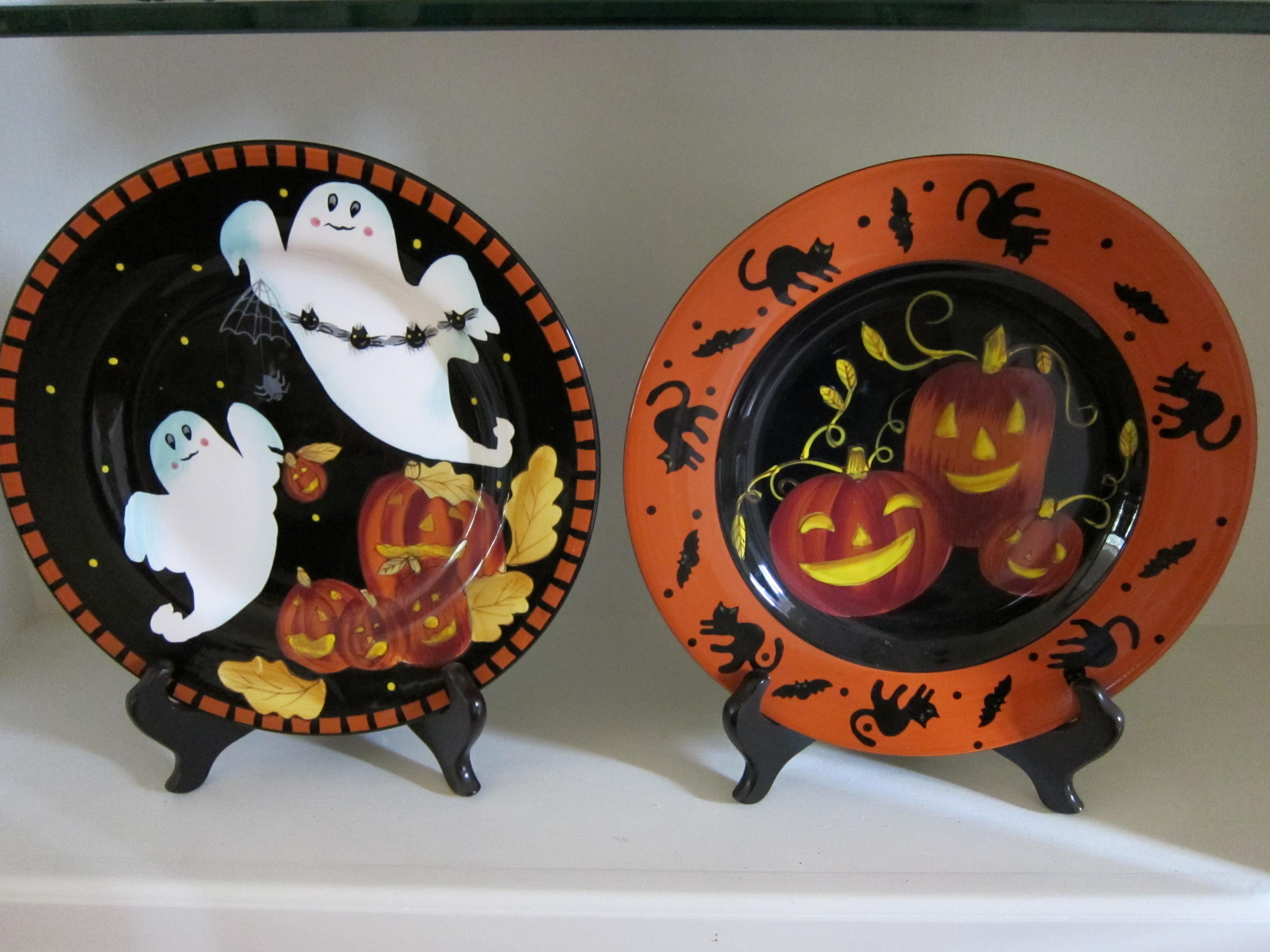Halloween Dinner Plates  Halloween … already