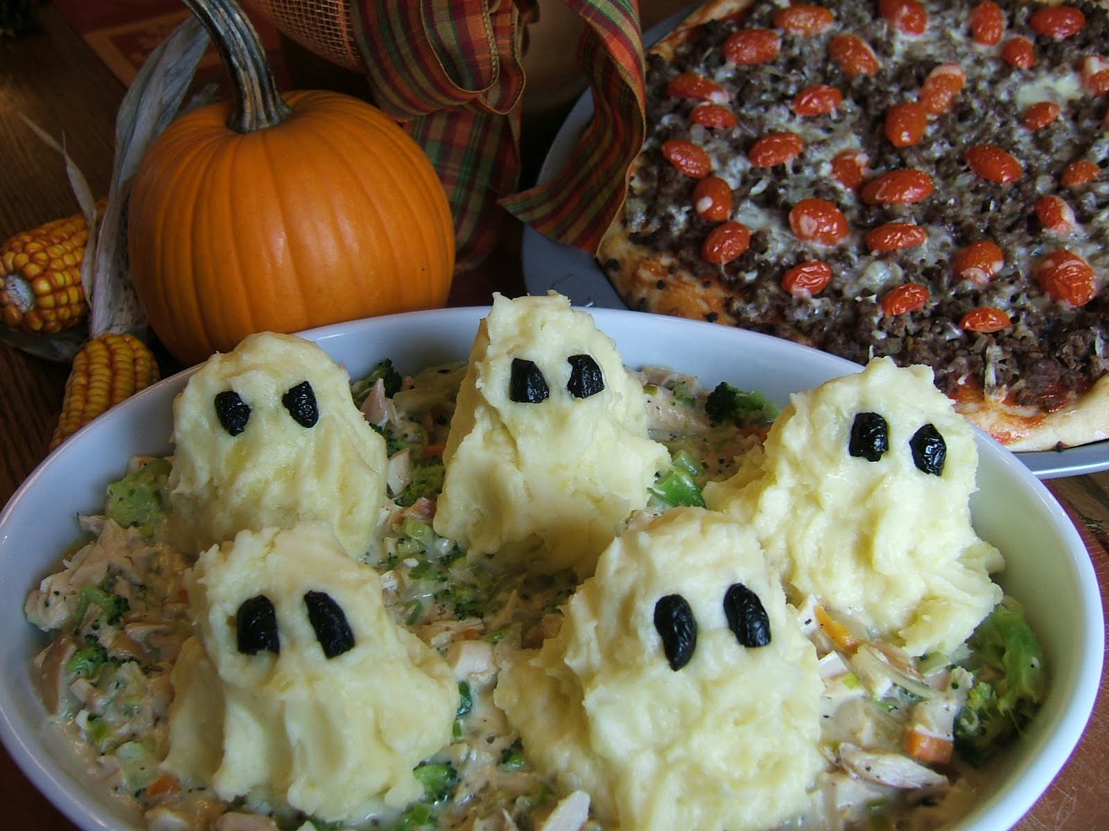 Halloween Dinner Recipes With Pictures  Halloween Family Dinner Recipes