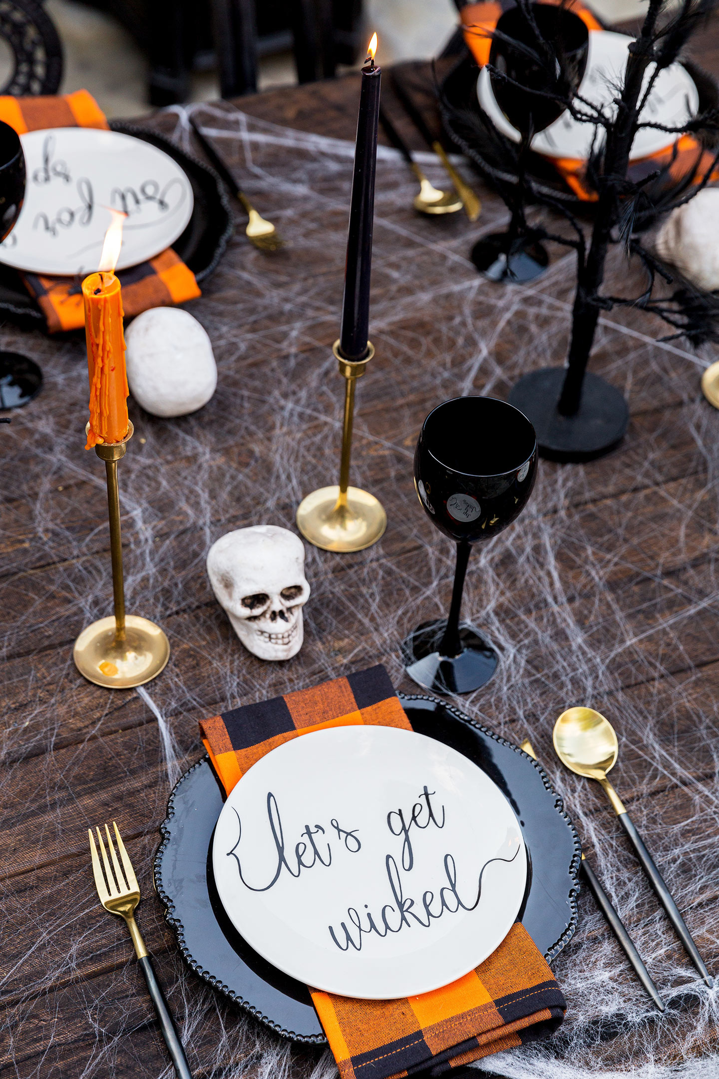 Halloween Dinners For Adults  Adult Halloween Party Decorations & Halloween Menu Ideas
