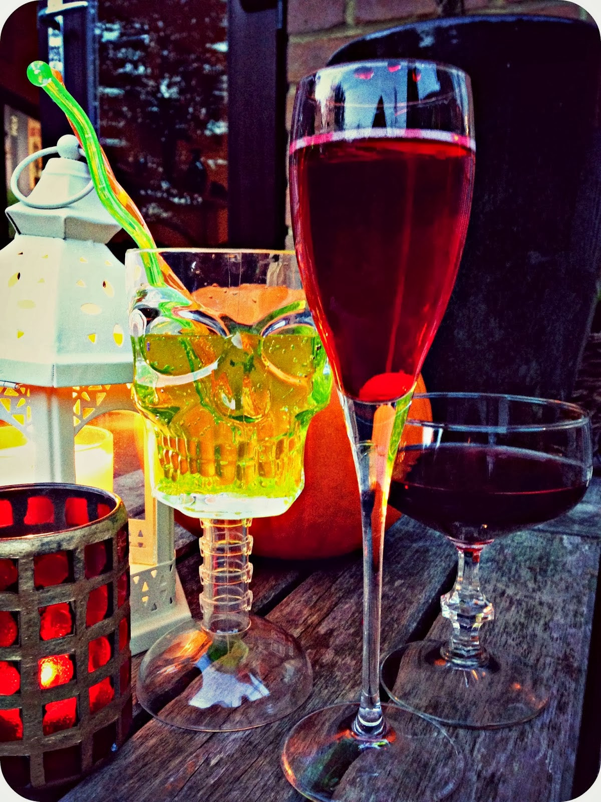Halloween Drinks Tipsy Bartender  halloween cocktails tipsy bartender