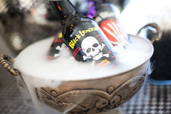 Halloween Drinks With Dry Ice  40 Spooky Halloween Decorating Ideas for Your Stylish Home