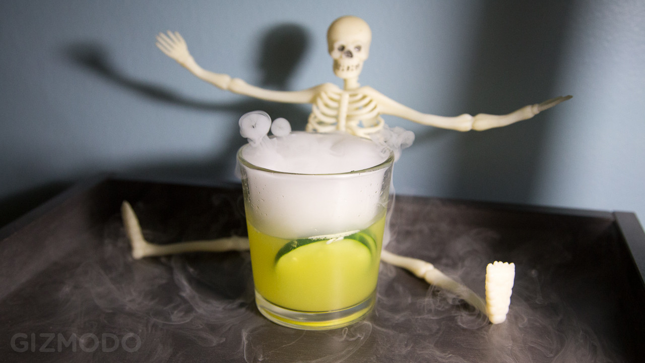 Halloween Drinks With Dry Ice  Halloween Cocktails And Dry Ice A Spooky Drunken Primer