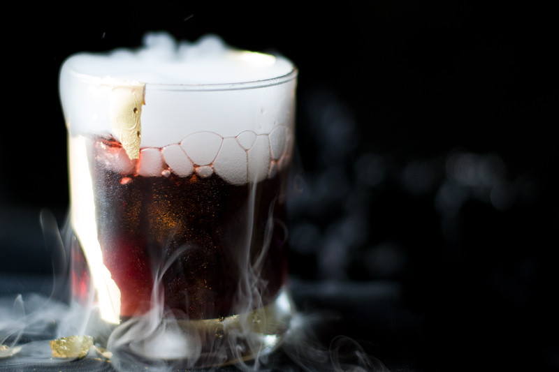 Halloween Drinks With Dry Ice  9 Simple Halloween Cocktails & Drinks