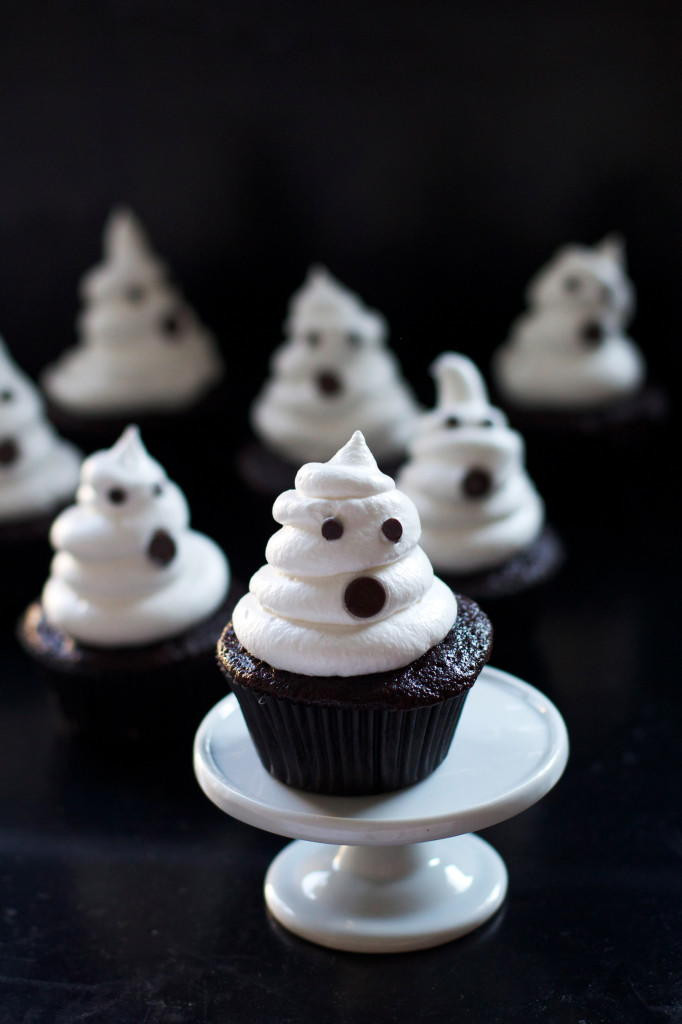 Halloween Ghost Cupcakes  Spooky Ghost Cupcakes