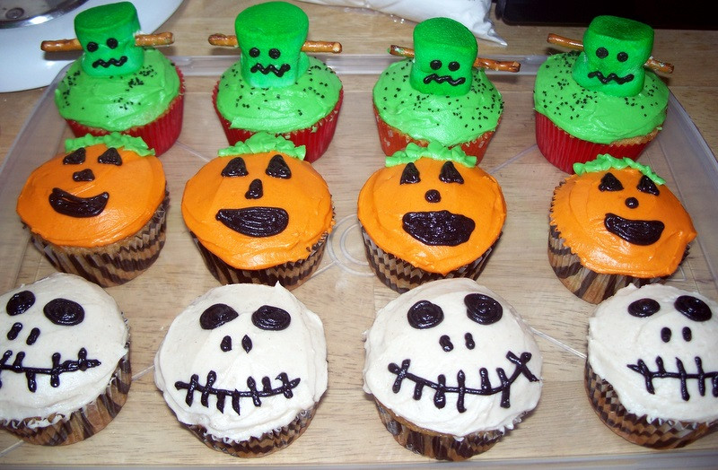 Halloween Inspired Cupcakes  The Tiny Tyrant s Kitchen Halloween Cupcakes