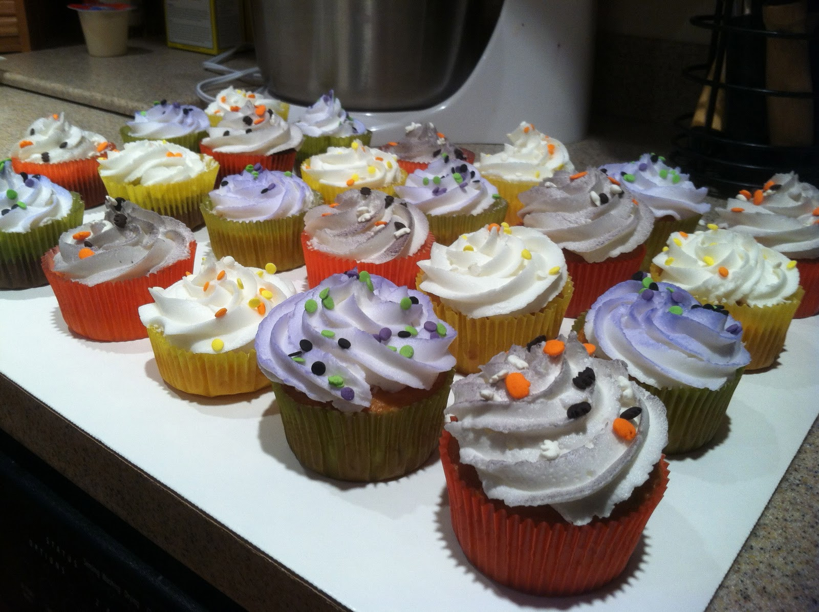Halloween Inspired Cupcakes  Kyla s Cupcakes Halloween themed cupcakes