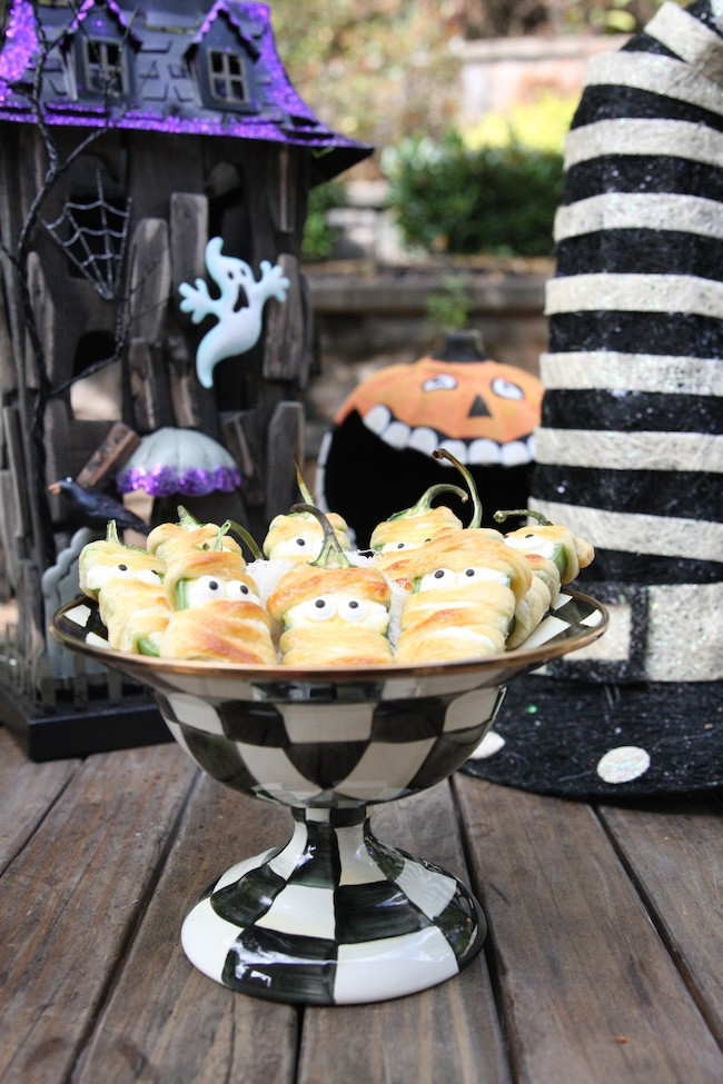 Halloween Jalapeno Poppers  Halloweeño Jalapeño Popper Mummies The Hopeless Housewife