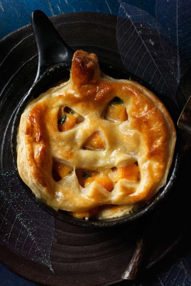 Halloween Main Dishes  20 Spooky Halloween Dinner Ideas