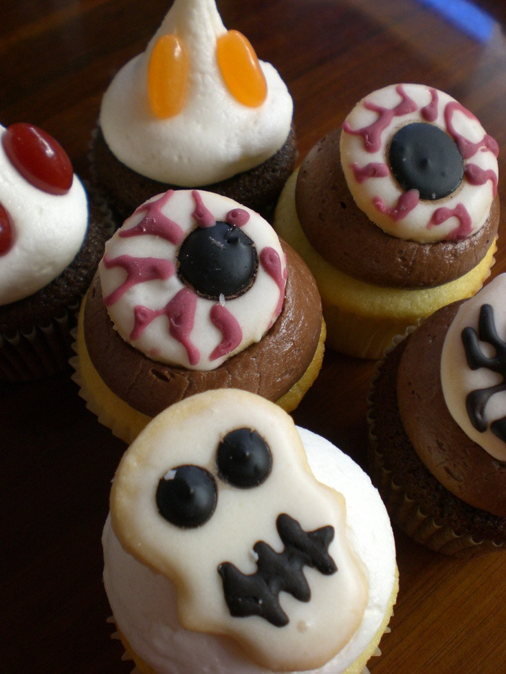 Halloween Mini Cupcakes  10 best images about October Cupcakes on Pinterest