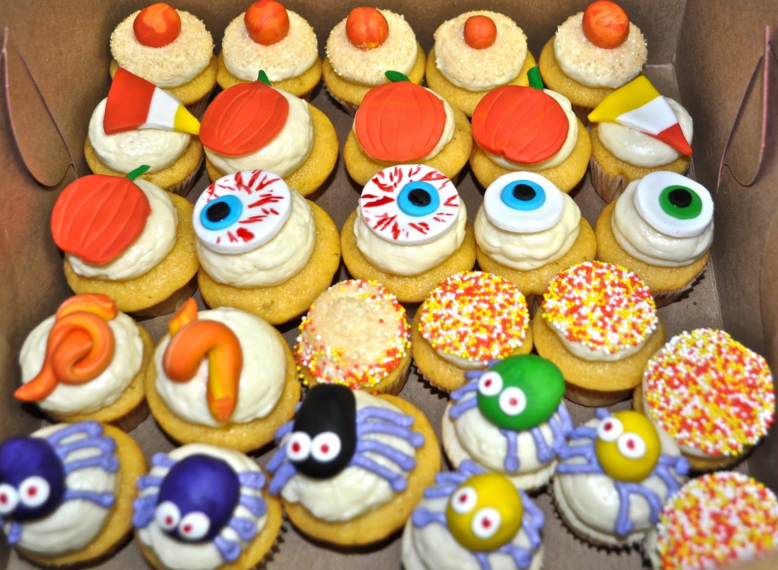 Halloween Mini Cupcakes  Leah s Sweet Treats Halloween Cupcakes