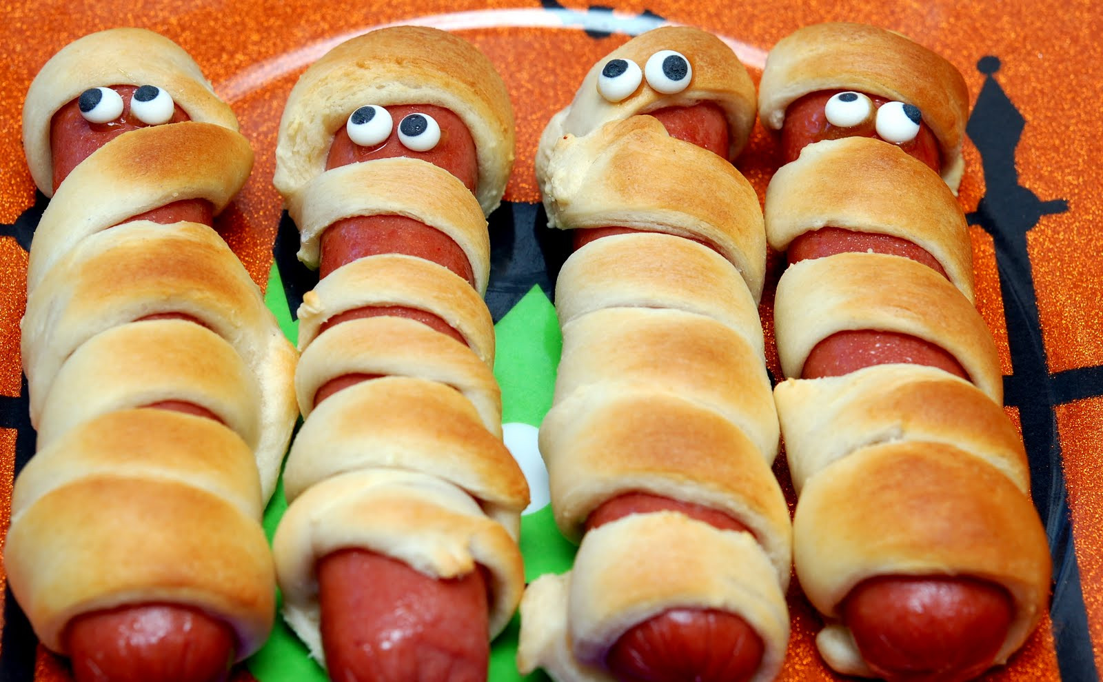 Halloween Mummy Hot Dogs  MUMMY HOT DOGS FOR DINNER Hugs and Cookies XOXO