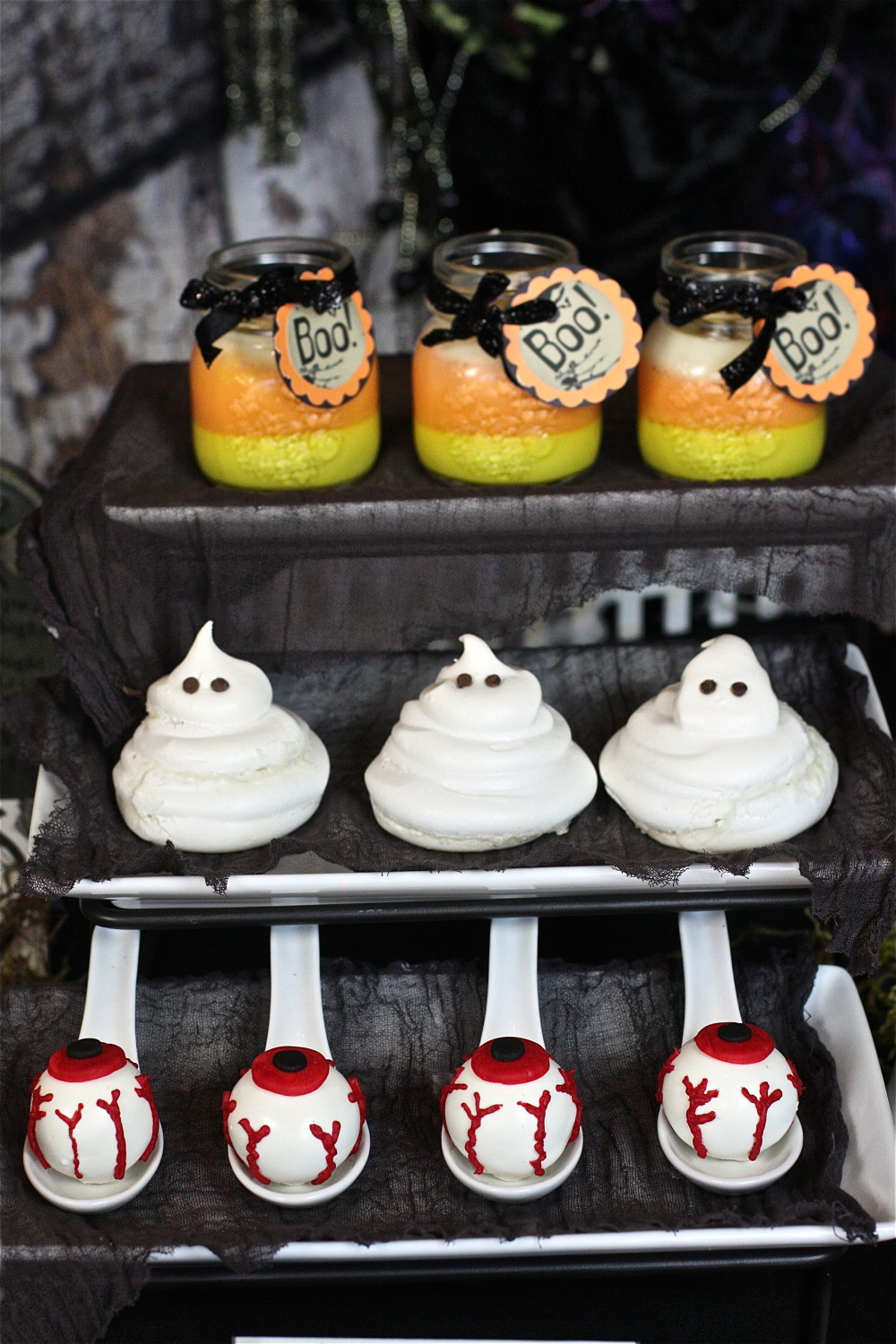 Halloween Party Desserts  Meringue Ghosts The Hopeless Housewife The Hopeless